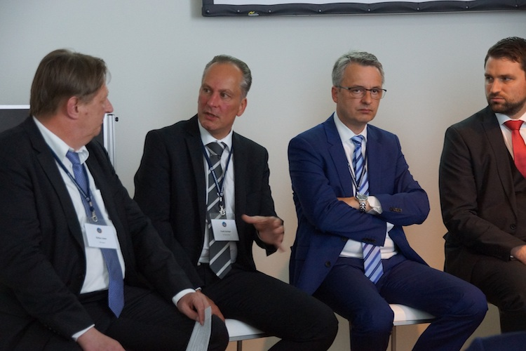 BSI-Summit-Cash-Panel-Stefan-Loewer in BSI-Summit: Aus Sicht des Kunden denken