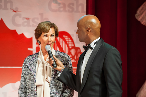 Spende-5 in Cash.Gala 2014: Spendenübergabe