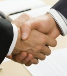 Shakehands-131x150 in Axa/Resolution: Megadeal perfekt