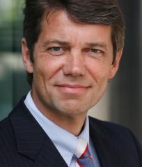 Dr -Reinhard-Kutscher in Immobilien-Investitionsklima hellt sich auf – Risikoappetit wächst in Grenzen
