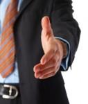Handshaker-127x150 in Dr. Klein reicht Immobilieninvestoren die Hand
