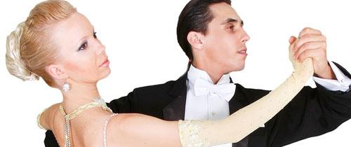 Tanzendes-Paar in Konsolidierung: Wer mit wem in der Branche tanzt