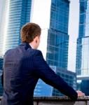 Blick-auf-bueroturm-shutt 24165280-127x150 in Immobilieninvestoren: Heimatmärkte bevorzugt