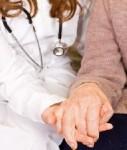 Pflege-Senioren-127x150 in Fonds Finanz vertreibt neue Domcura-Pflegepolice