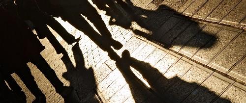 Schatten-Menschen-Stra E1 in
