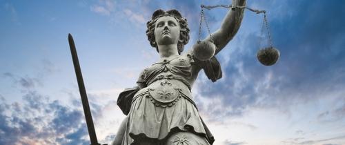 Justizia-gericht-richter-bgh in Freier Vertrieb: BGH kassiert Urteil zu Provisionsoffenlegung