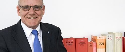 Foto Hirsch 1 in Ombudsmann meldet weniger Beschwerden über Versicherer