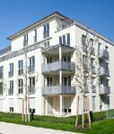 Wohnhaus-shutt 30511519-127x150 in Wohnungspreise und -mieten ziehen spürbar an