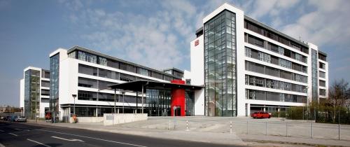 in Hannover Leasing vermietet Betriebszentrale an Deutsche Bahn
