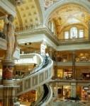Shopping-mall-las-vegas-shutt 17321611-127x150 in Einzelhandel: Luxusmarken eröffnen meiste Filialen