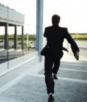 Flucht-Weglaufen-Rennen-127x150 in Studie: Beratung statt Verkauf - sonst nehmen Kunden Reißaus