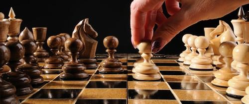 Schach-Schlacht-Teaser in Bankenvertrieb: Die neue Schlacht um den Endkunden