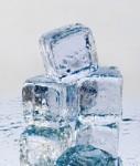 Eiswuerfel-shutt 27701476-127x150 in Allianz Global Investors legt Immobiliendachfonds zeitweilig auf Eis