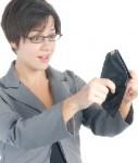 Frau-Geldboerse-leer-Armut-127x150 in Umfrage: Frauen von Altersarmut bedroht