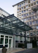 BaFin-Haupteingang 20Bonnpropertydefault in PKV: Finanzaufsicht will Provisions-Irrsinn bremsen