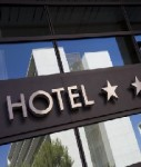 Hotel-shutt 36184549-127x150 in Run der Investoren auf Hotelimmobilien