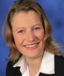 Carolin-Bauer HIH-127x150 in Neue Leiterin des Regionalbankenvertriebs bei der HIH