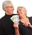 Oldies-mit-Geld-137x150 in Mehr Rente mit Aktieninvestments