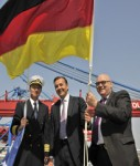 Kapitän Mischa Richter, Reeder Erck Rickmers und der Hamburger ver.di-Chef Wolfgang Rose