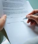 Antrag-127x150 in AfW-Vermittlerbarometer: Mehrheit will Erlaubnis für Fonds beantragen