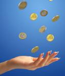 Geld-hand-shutt 9671864-127x150 in Schroders: Mehr Anteilsklassen mit festen Ausschüttungen