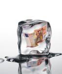 Eiswuerfel-geld-shutt 304208501-127x150 in Dachfonds DWS Immoflex eingefroren