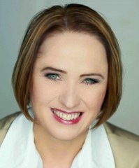 Claudia Hilker, Social Media Expertin