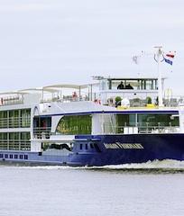 Hamburgische Seehandlung Donau Online in Hamburgische Seehandlung platziert Flusskreuzfahrtschiff aus