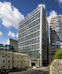 Deka-Immobilien-Europa-Aldermanbury-Square-255x300 in Deka-Immobilien Europa kauft für über eine halbe Milliarde Euro in London ein