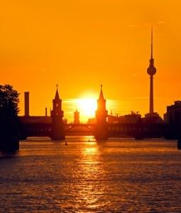 Eigentumswohnungen-Berlin-255x300 in ZBI setzt Einkaufstour in Berlin fort