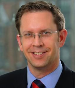 Timo Wolf LloydFonds-254x300 in Lloyd Fonds beruft neuen Leiter der Immobilienabteilung