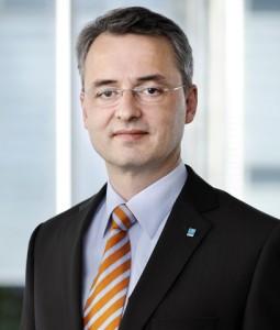 Dr -Peters Gehling-255x300 in D.F.I. vergibt fünf Sterne für die Leistungsbilanz 2011 der Dr. Peters Group