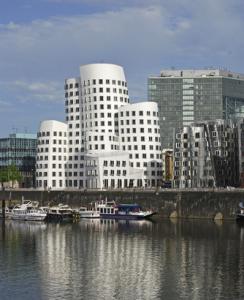 Duesseldorf-Wohnimmobilienpreise-244x300 in Wohnungen in Düsseldorf verteuern sich um 6,5 Prozent