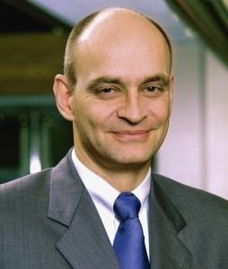 Schulz-Jodexnis-254x300 in Vertriebsumfrage: Mehr Transparenz und Vertrauen