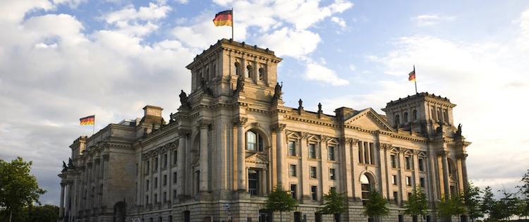 Deutscher Bundestag: Entwurf zur Honorarberatung stößt auf Zustimmung