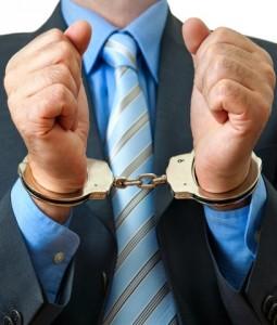 Festnahme-255x300 in In den Uffizien klickten die Handschellen