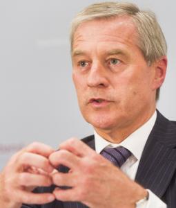 Fitschen übernimmt Präsidentenamt beim Bankenverband