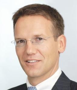 Hoeller-255x300 in DIC Asset AG: Zweite Unternehmensanleihe geplant