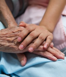 Demenz: Universa erweitert Pflegeabsicherung