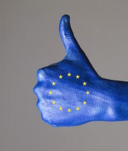 Europa-Daumen-online-255x300 in Commerzbank: Euroland startet durch