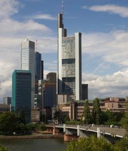 Frankfurt-am-Main-255x300 in Umfrage: Falsche Reihenfolge der Haftung bei Bankpleiten