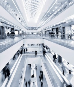 Shopping-Center-256x300 in Einzelhandelsimmobilien: Investments legen weiter zu