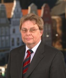 Foto-Hans-Joachim-Hasse-254x300 in Arno Berthold Pöker neuer Vorstand der Deutschen Immobilien AG