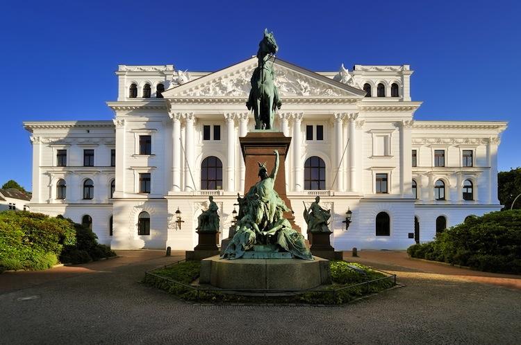 Rathaus-altona in HIH verkauft Büroobjekt in Hamburg-Altona