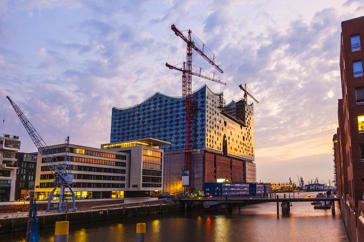 Quadratmeter-Hafencity in Wohnimmobilienmarkt: Leerstände auf dem Land, Saturierung in der Stadt