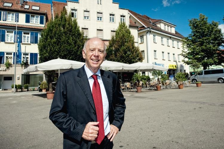 Der ehemalige Arbeitsminister Walter Riester ist Urheber der gleichnamigen Vorsorgeform, die weiterhin keinen leichten Stand hat.