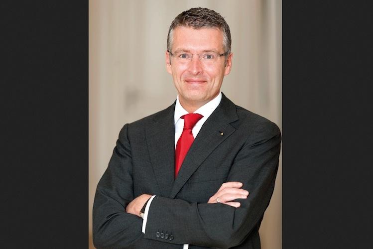 Philipp J. N. Vogel, Deutsche Familienversicherung
