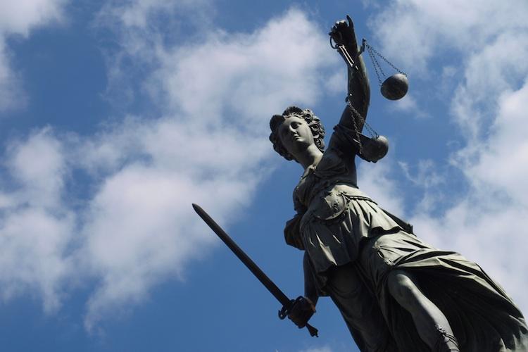 BGH Nettopolicen in BGH-Urteil: Versicherer muss über Änderungen der Bezugsberechtigung informiert werden