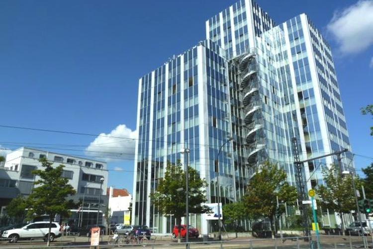 "Objekt-Rennbahnstra E in Publity kauft Office Tower"""