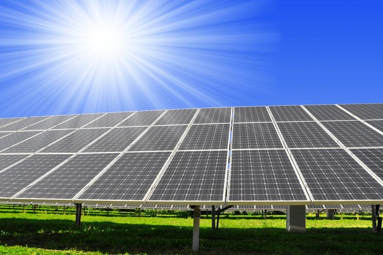 Shutterstock 113557456 in Neitzel erklärt seinen Solarfonds für nicht KAGB-pflichtig